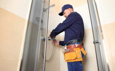 Pourquoi faire affaire avec un plombier certifié pour vos entretiens et réparations?